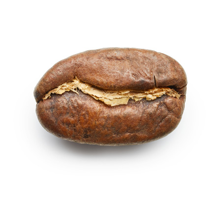 agricultura: Roasted coffee bean isolated on white background