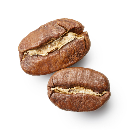 agricultura: Coffee beans isolated on white background
