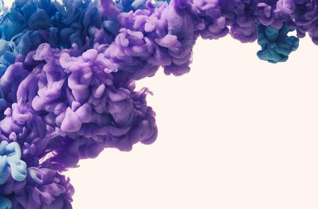 color in: gota de color en el agua Foto de archivo