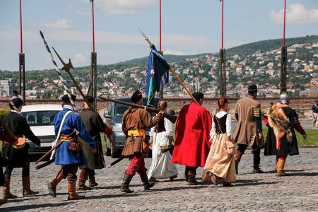 mosquetero: Budapest, Hungr�a - 8 de mayo 2016: La fiesta de disfraces