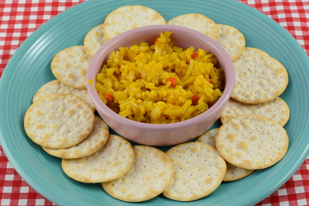 cole: Appetizer plate of table water crackers and cole slaw salsa Stock Photo