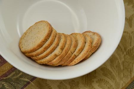 melba: Melba toast in bowl