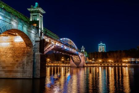 夜の橋 写真素材