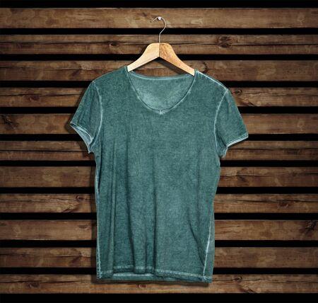 T-Shirt-Modell und Vorlage