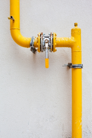 inoperative: yellow gas pipe with a crane and gear