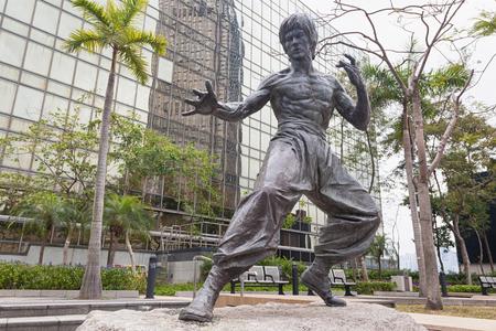 星光大道に 2017 年 2 月 16 日、香港で香港、中国 - 3 月 16 日: ブルース ・ リー像。