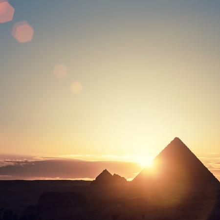 Egipto El Cairo - Giza. Vista general de las pirámides