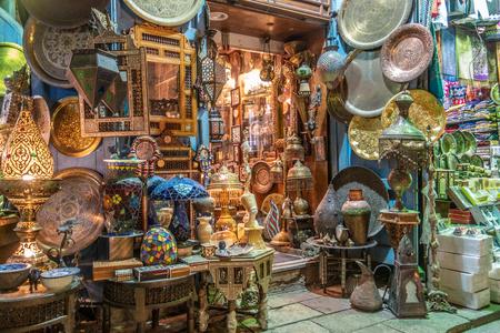 Cairo, Egypt - Feb 02 2019: Lamp or Lantern Shop in the Khan El Khalili market in Islamic Cairo Publikacyjne