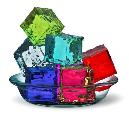 gelatina: Gelatinas de cubo de colores diferentes en una placa de vidrio