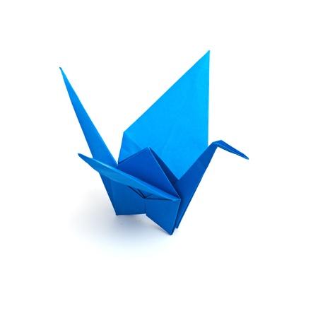origami oiseau: Origami grue isol� sur un fond blanc Banque d'images