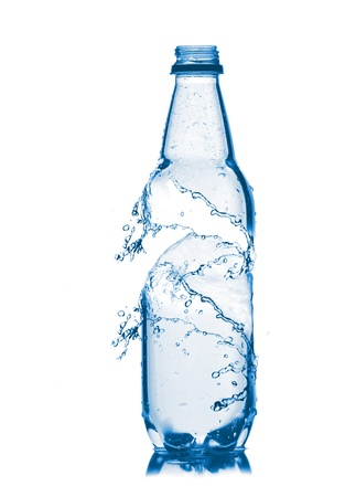 engarrafado: Small bottle of water  Isolated on white background