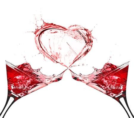 copa de martini: Dos vasos de vino tinto Splash Coraz�n Resumen
