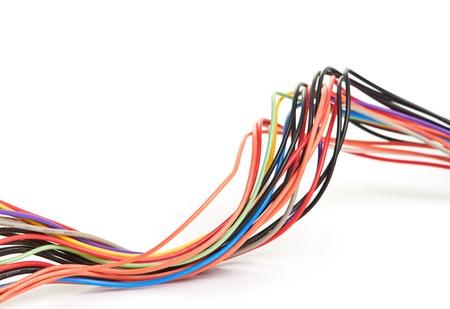 cables electricos: Cable de la computadora multicolores sobre fondo blanco