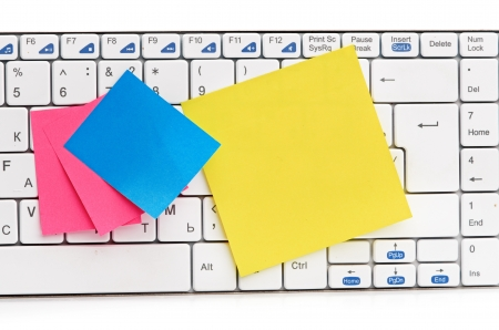 memo on white keyboard can use as background Stock Photo - 15148781