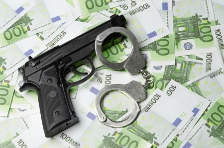 Image of the old gun and money Stock Photo - 17005373