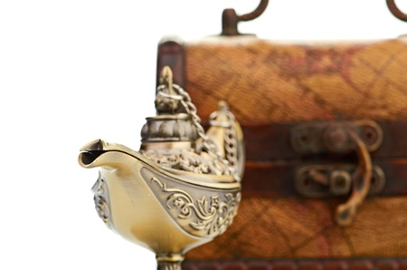 aladin: chest and aladin lamp