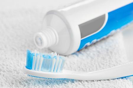 pasta dental: Pasta dentífrica
