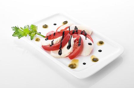 tomato slice: mozzarella cheese, tomato slice