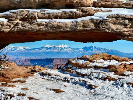Mesa Arch, La Sal Mountains, Canyonlands National Park, Utah