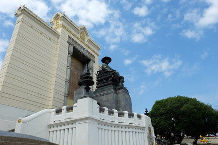 King Rama I monument, Its located at Phra Phuttha Yodfa Bridge and dedicated to the king who established the capital in Bangkok in 1782.