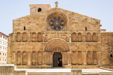 Romanesque facade of the church of Santo Domingo in Soria, Spain Imagens