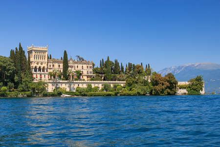 Isola del Garda on Lake Garda dominated by the Venetian neo-Gothic building of Villa Borghese Cavazza. 版權商用圖片