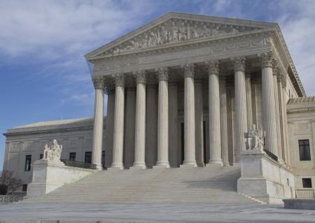 estatua de la justicia: EE.UU. Corte Suprema de la construcci�n en Washington, DC Foto de archivo