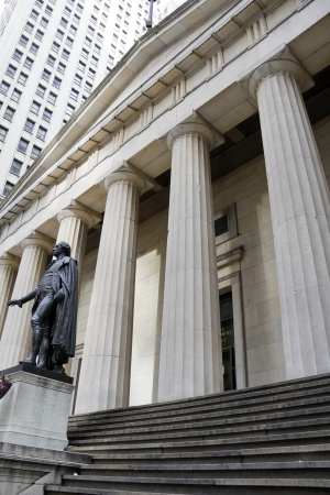 george washington statue: George Washington Statue at Federal Hall in New York City  Editorial