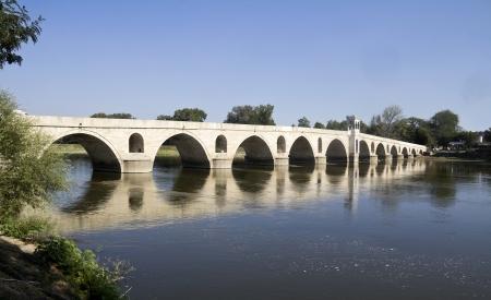 Rivière Meric et le pont à Edirne, Turquie Banque d'images - 17204206