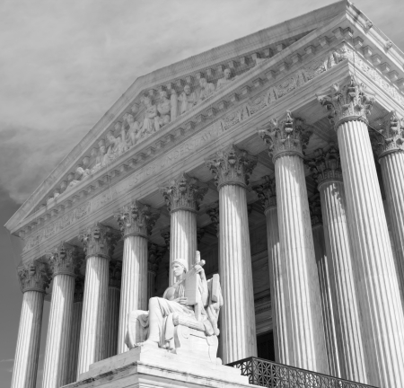 Supreme Court building in Washington, DC, United States of America - bw  Banque d'images