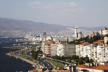 Alsancak coastline in city of Izmir, Turkey. Izmir is the third most populous city in Turkey. Banque d'images