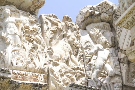 aphrodite: Detalles de la puerta de enlace tetrapylon romana hasta el templo de Afrodita, Afrodisias, Geyre, Turquía