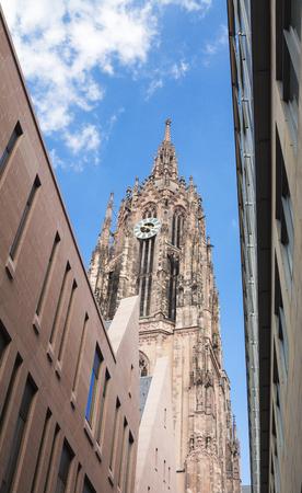 roemerberg: Frankfurter Dom Cathedral in Roemerberg in Frankfurt am Main Stock Photo