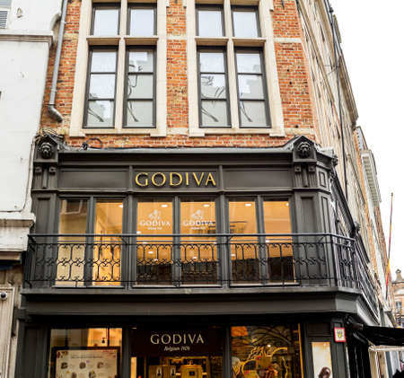 Bruges, Belgium : Godiva Chocolate Store, Godiva Chocolatier is a manufacturer of fine chocolates and related products, founded in Belgium in 1926 新聞圖片