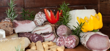 Chopping with typical italian cold cuts Stock Photo - 16255518