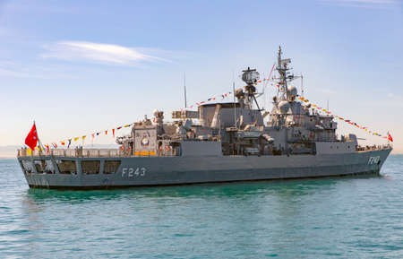 Istanbul, Turkey May 19th, 2021: TCG Yildirim Frigate with pennant number f-243 at the entrance of Bosphorus, Istanbul, at Youth and Sports Day. 新闻类图片
