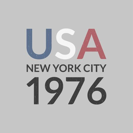 USA and New York City t-shirt print design and apparels graphic. Sport, college, varsity typography. Vintage clothes graphic with grunge texture. Poster, banner, placard. Vector illustration. Archivio Fotografico - 150343547