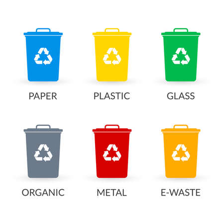 Trash can icon set with recycle sign. Garbage bin or basket collection with recycling symbol. Vector illustration. Ilustração