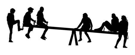 I bambini giocano sulla sagoma dell'altalena. Altalena arrampicata vettore in bilico. Divertimento per bambini felici nel parco divertimenti. Adolescenti dopo la scuola. Ricreazione all'aperto di amici. Ragazze e ragazzi che oscillano la siluetta di vettore Vettoriali