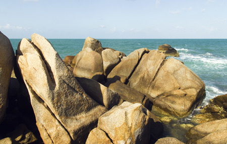 sea waves: sea waves, stones and blue sky. summer holiday seascape