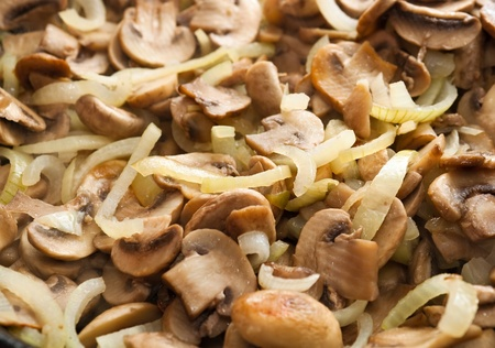 cep: Fried champignons with golden onion