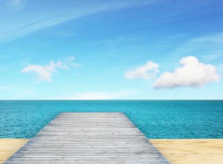 beautifu: Beautifu sea view on sunny day