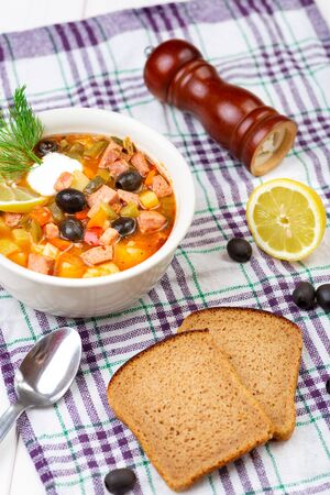 Solanka soup with bread Imagens