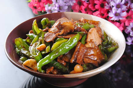 Stir fried meat with vegetable