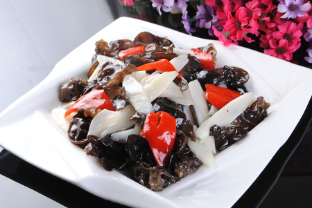 stir fried fungus with chinese yam and chili