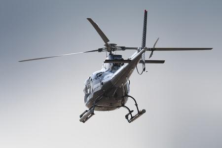 Rückseite des isolierten Hubschrauber