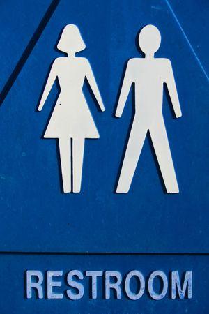 unisex: Cerca de firmar un ba�o unisex.
