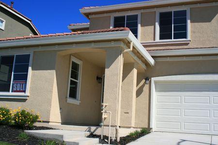 Close up of a new sold house.  Zdjęcie Seryjne