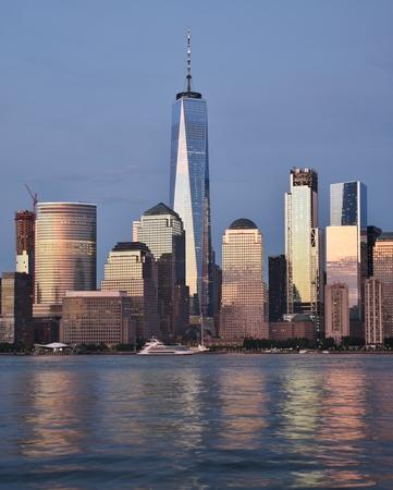 フリーダムタワーと世界金融センターのスカイライン