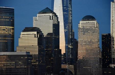 マンハッタンの世界金融センターのスカイライン